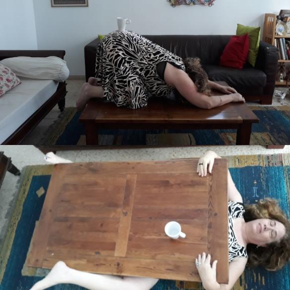 מעל ומתחת לשולחן